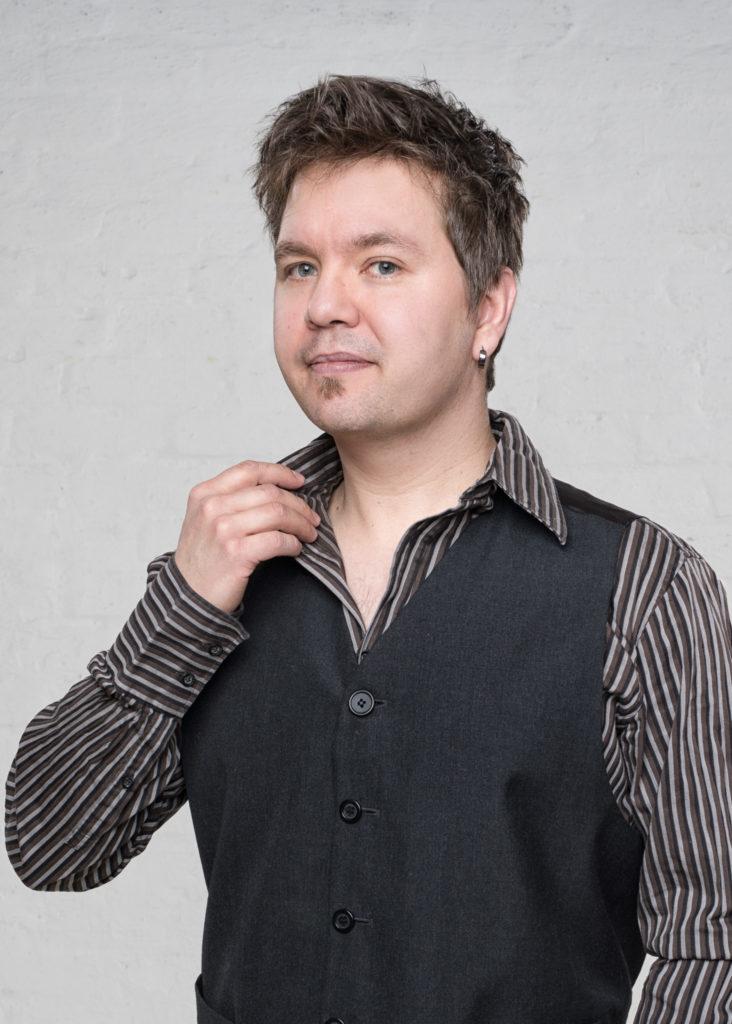 Teemu Tamminen basisti Renki Renkiband taustalaulaja